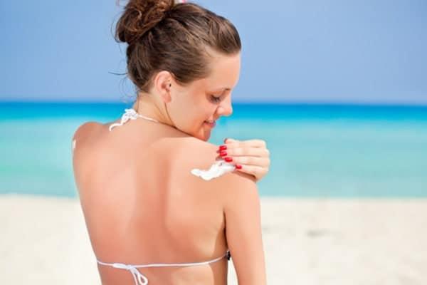 Как правильно загорать со светлой кожей