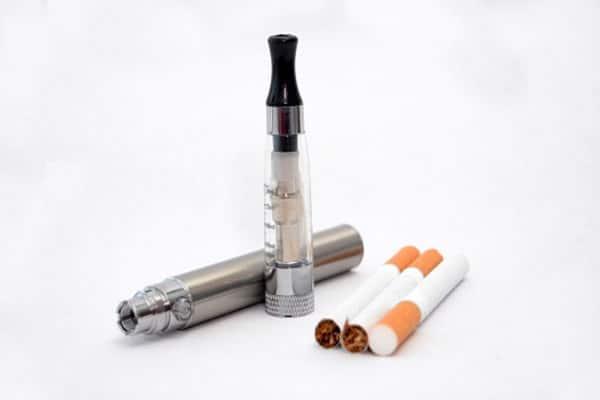 Вреден ли аэрозоль от электронных сигарет для легких?