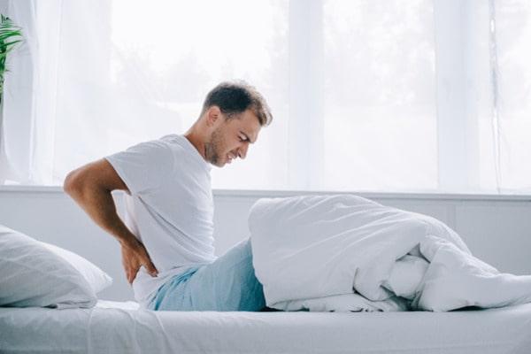 Утренние боли в спине – причины, методы лечения, профилактика